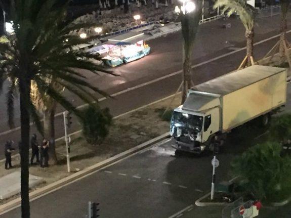 NIce-France-Terror-Truck-Twitter-575x431