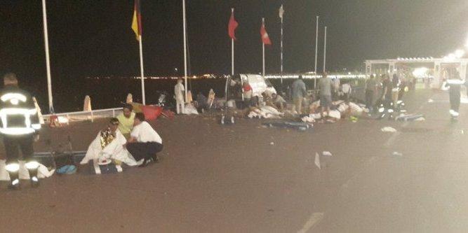 Extrêmement Nice : après l'attentat, des victimes chrétiennes enterrées selon  ES82