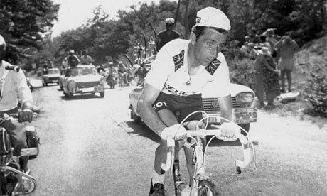 Tom Simpson before the Chalet Reynard of Mount Ventoux