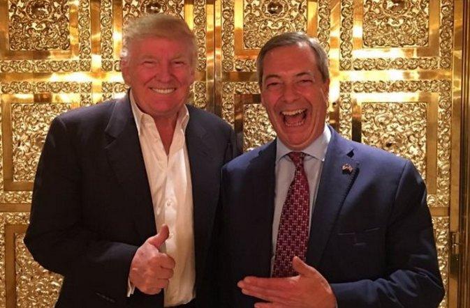Trump sans cravate !