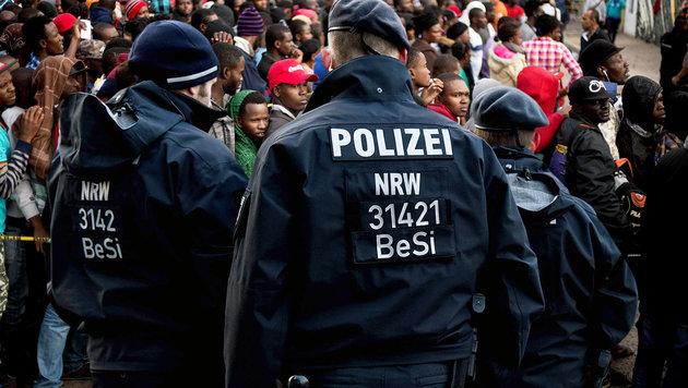 d-polizei-warnt-sie-lachen-ueber-unsere-justiz-kriminelle-afrikaner-story-533037_630x356px_c72497ebfb7dcb699a35e9fb6d409d31__tausende-nordafrikaner-s_1260_jpg