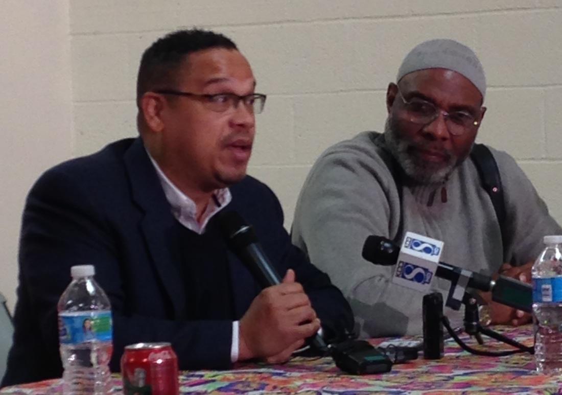 Keith Ellison et Ako Abdul Samad-29 décembre 2015