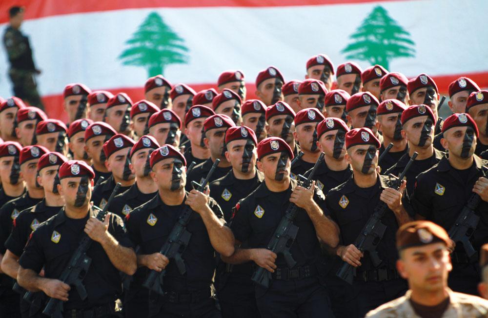 Macron entraîne et finance l'armée libanaise contre Israël